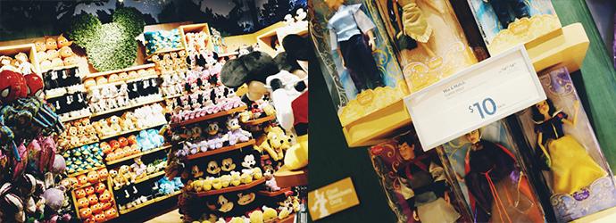 왼쪽 사진은 미키마우스 관련 봉제 인형이 선반 가득 전시되어 있는 사진. 오른쪽 사진은 차곡차곡 쌓여진 클래식 돌 위에 10달러라고 붙여 있다.