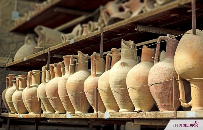 고대 문명의 도자기들
