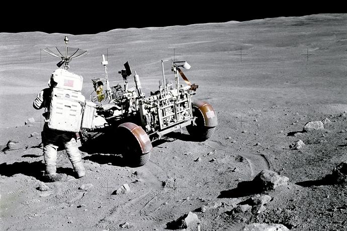 달에 착륙한 아폴로 16호 우주비행사 찰리 듀크