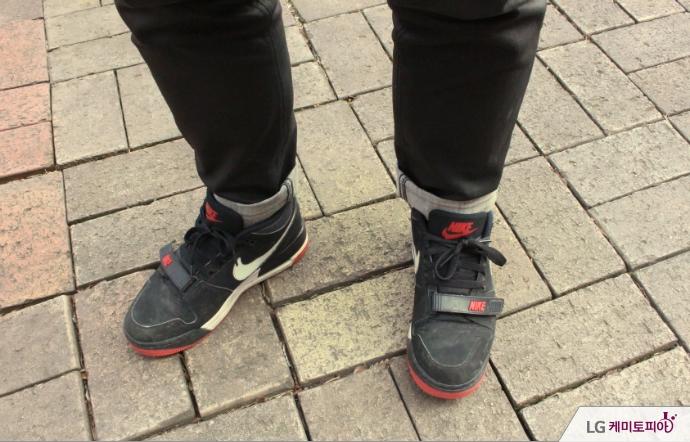 이민진 씨의 검은색 신발