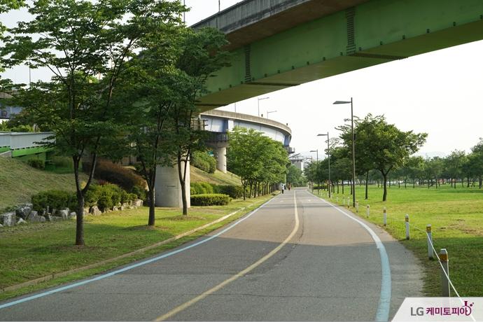 한강공원의 자전거 도로
