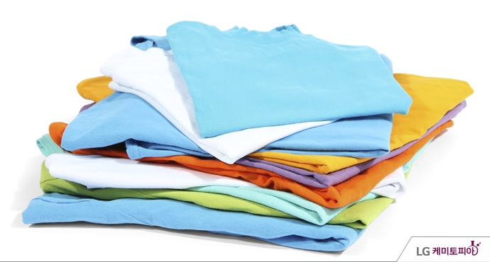 폴리에스터 섬유로 만든 티셔츠