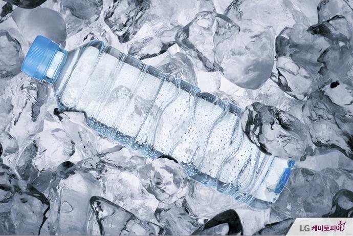 얼음 속 생수병