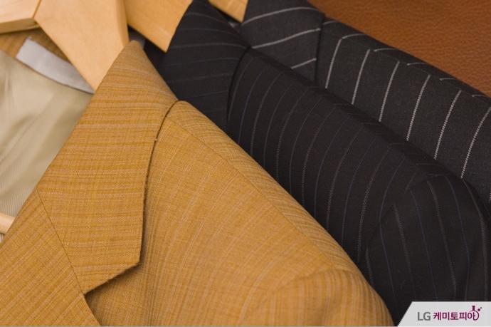 다양한 디자인과 색의 가을 남성 재킷