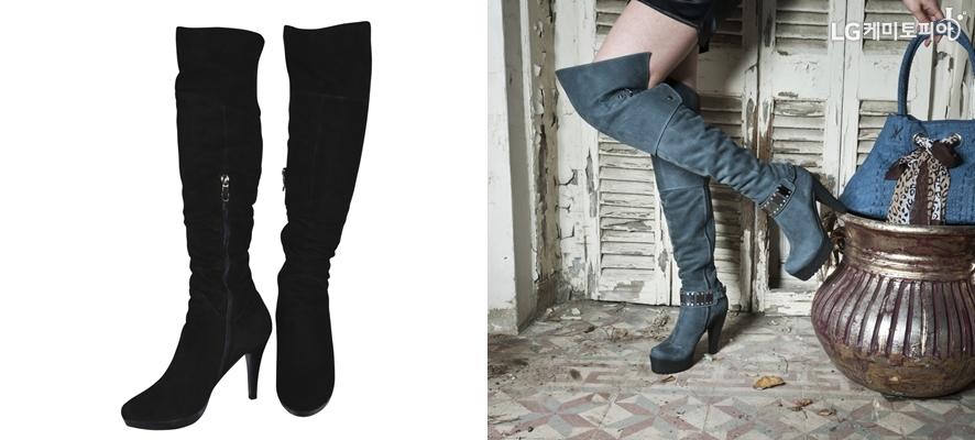 왼쪽엔 검은 사이하이부츠, 오른쪽엔 물빛 스웨이드 사이하이부츠를 신고 짧은 바지를 입은 여자의 다리가 보인다.