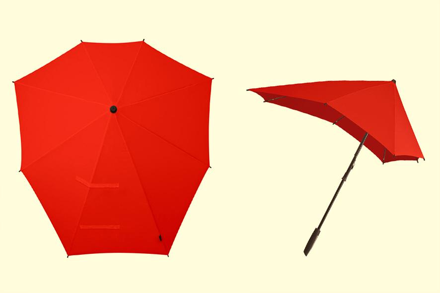빨간 색 센즈우산이 펼쳐진 모습