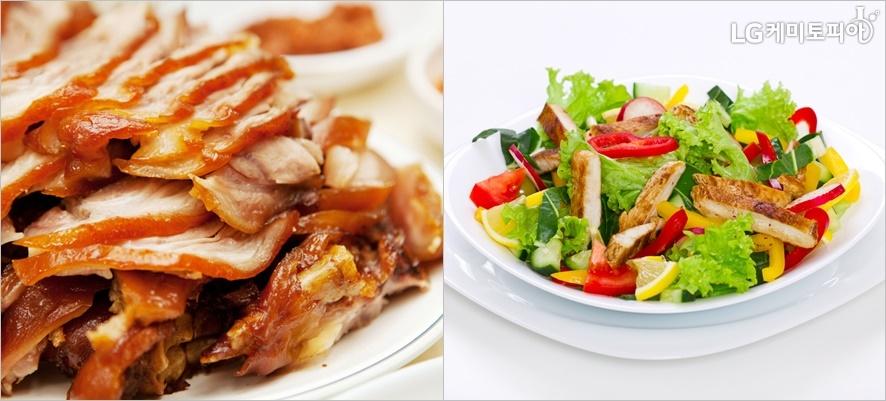 두 가지 사진 중 왼쪽은 족발, 오른쪽은 닭가슴살샐러드가 있다.
