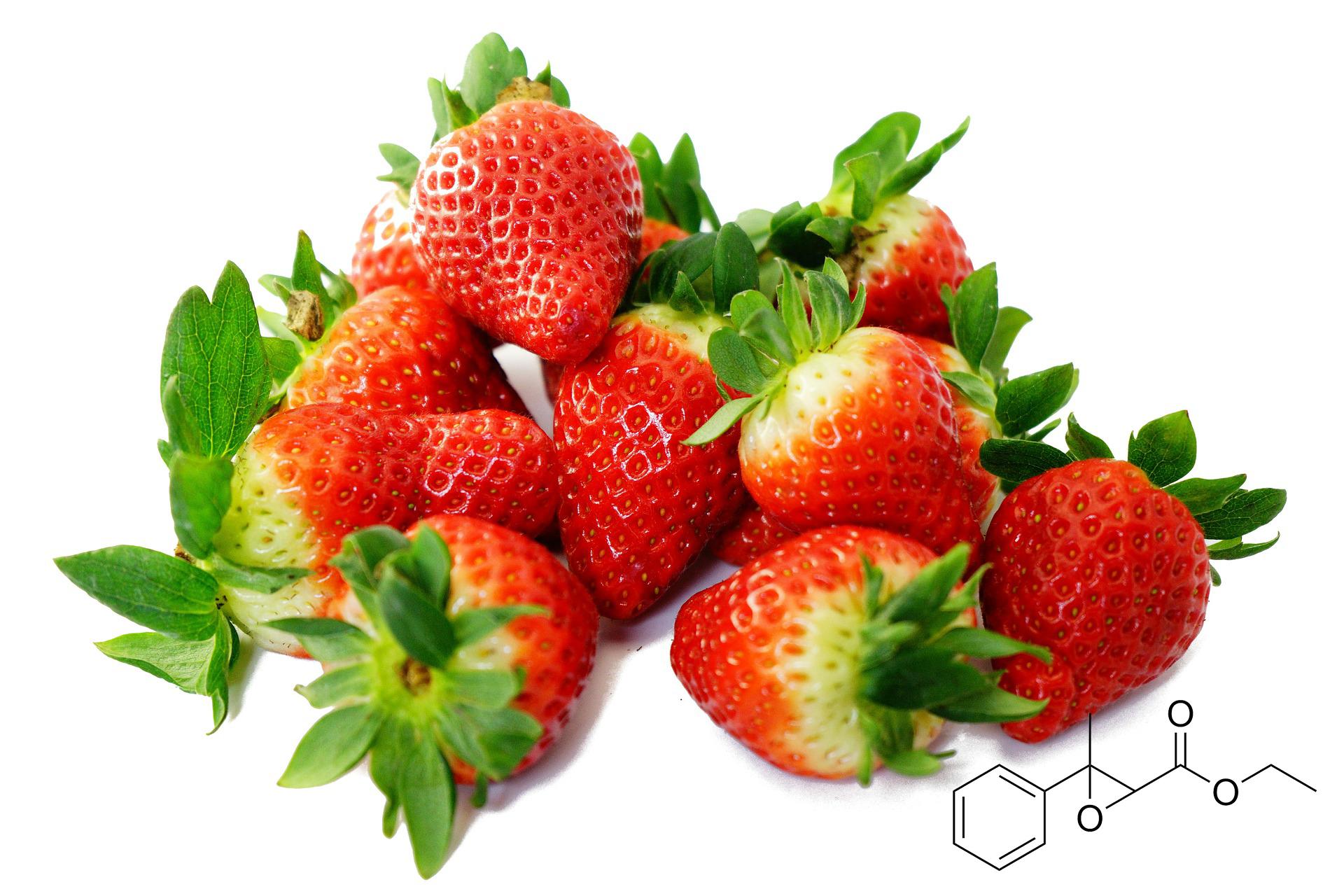 딸기와 화학 모형도