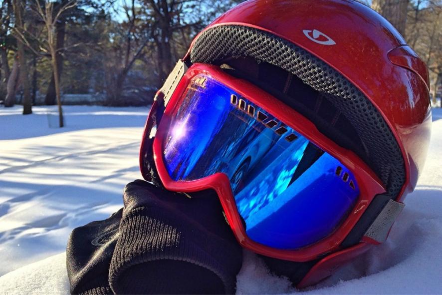 헬멧, 장갑, 넥워머, 고글 등의 방한 용품