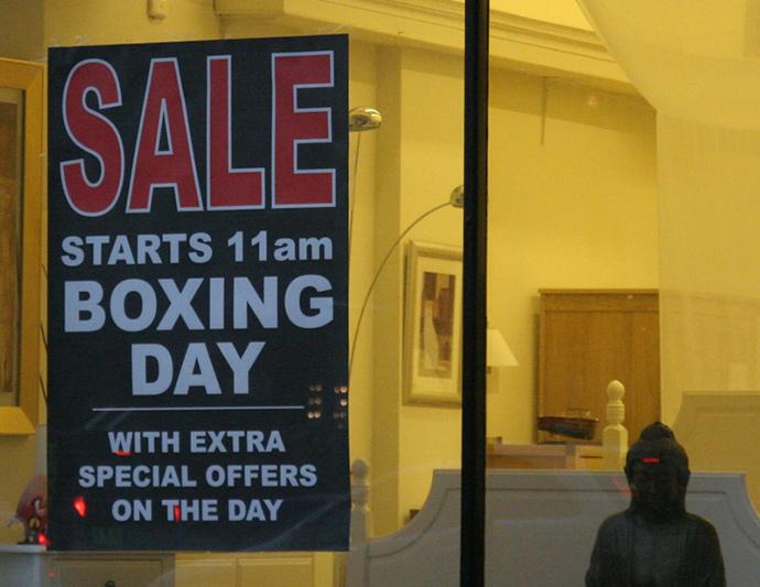 대형 백화점부터 소매점까지 세일을 하는 Boxing day