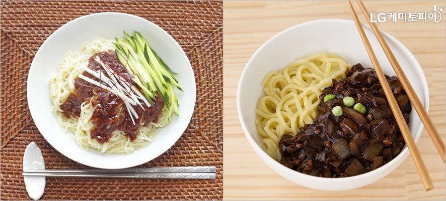 (왼쪽부터) 중국식 짜장면과 한국식 짜장면