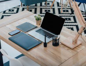 책상 위 사진